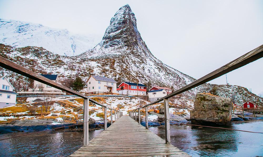 reine bridge winter snow lofoten