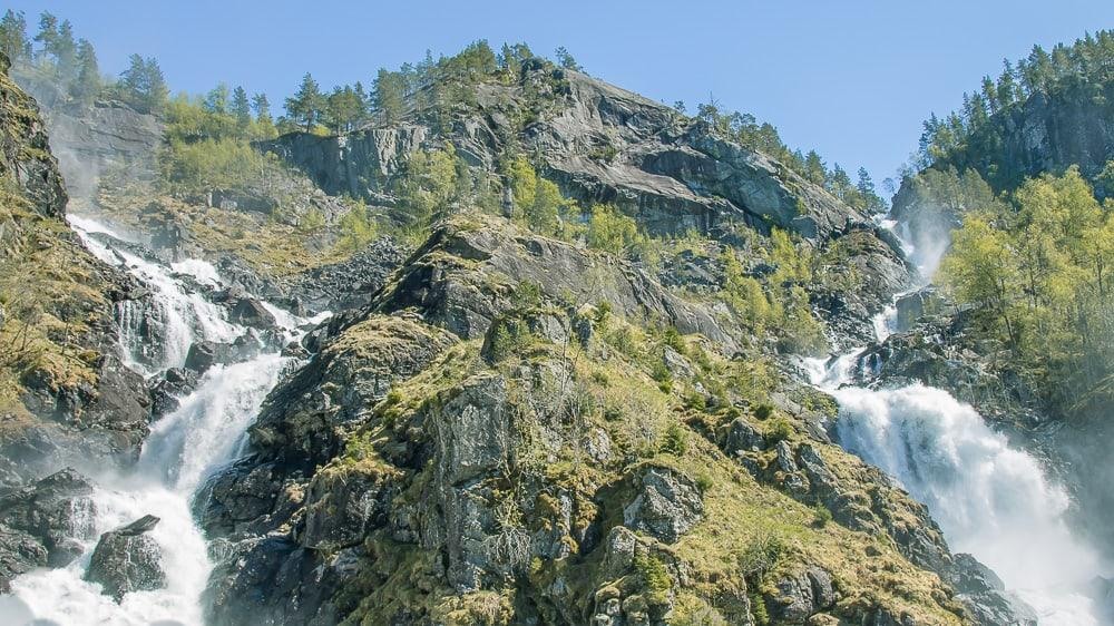 Låtefossen waterfall odda