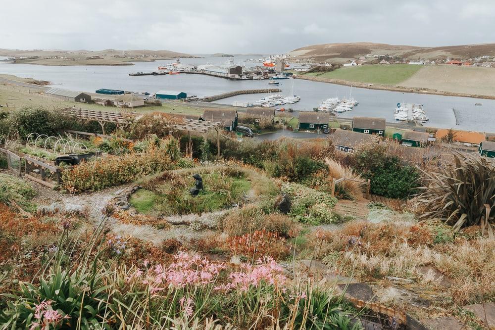 Sarah Kay Arts et jardins vue sur les Shetland