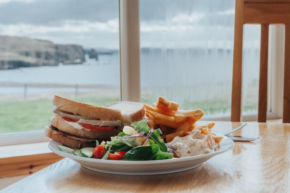 Braewick Cafe and Caravan Park vue sur la baie de St Magnus et les Shetland