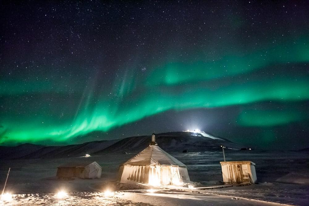 aurores boréales camp barentz svalbard