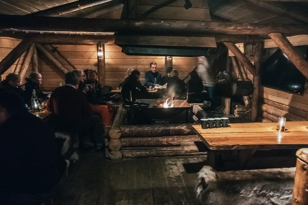 camp barentz aurora borealis après-midi svalbard