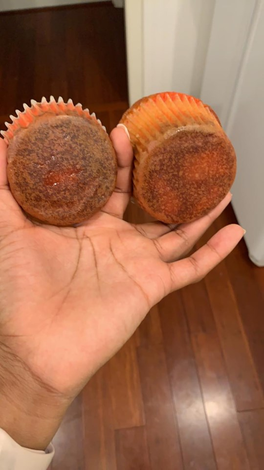 2 - Tips to Avoid White Cupcakes Browning in Liner