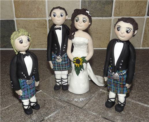 69345670 1162630913934253 190004349538140160 n - Personalized Cake Toppers by Gaynor Collingwood