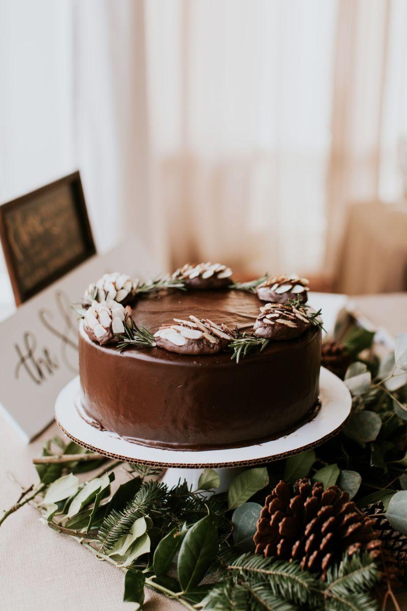 Our DIY Winter Wedding Cake