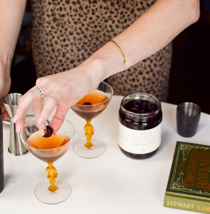 Sipping in Style: A Classic Manhattan Cocktail Recipe