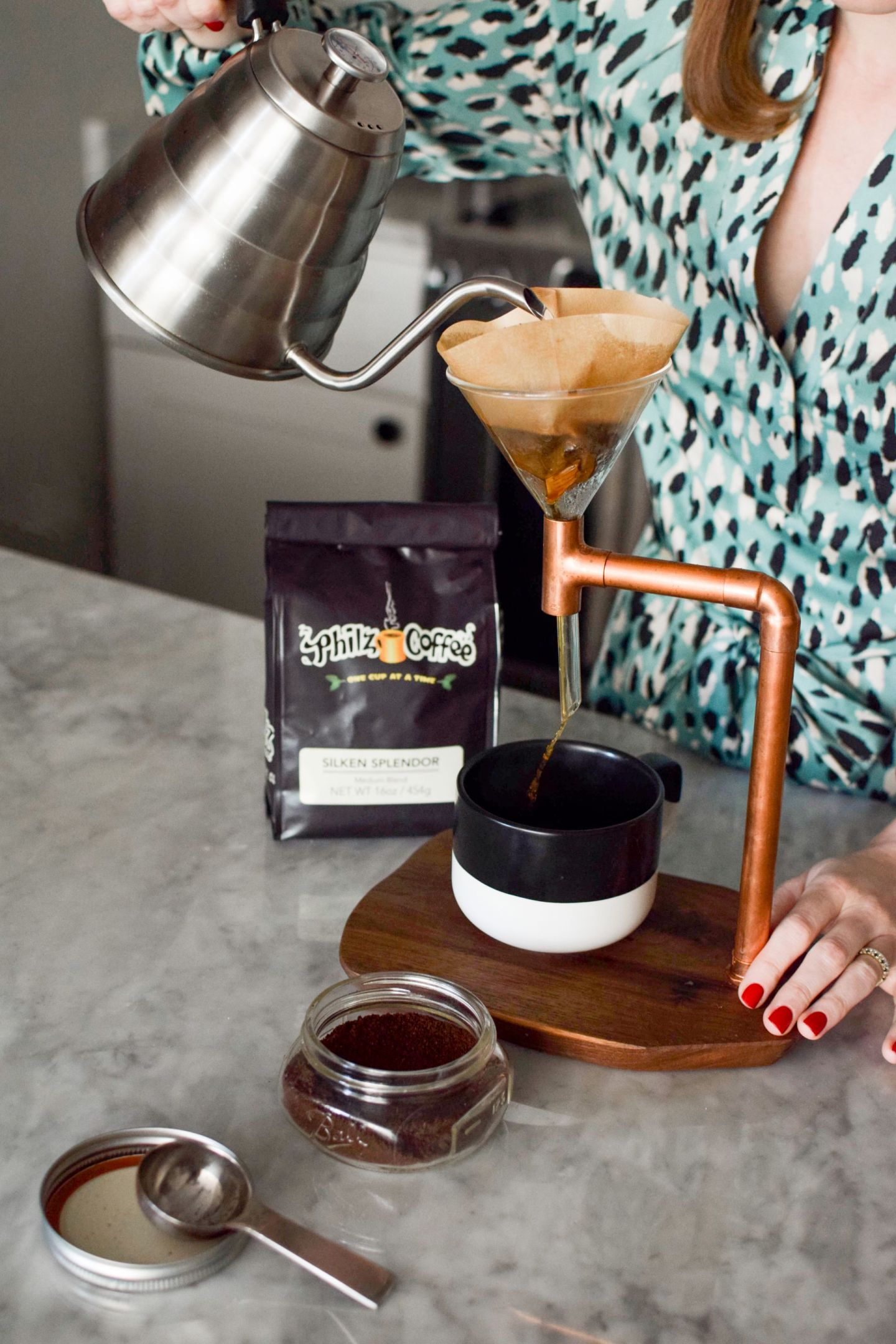 how to do a perfect pour over - at home coffee tips - pour over coffee tips - pour over stand