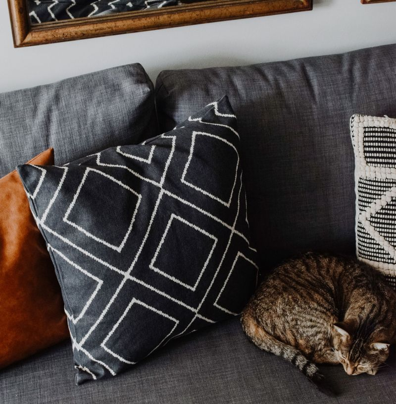Where to Buy Cheap Accent Pillows: H&M Pillow Cover Review