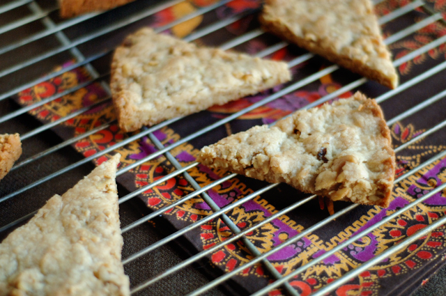 Walnut Vanilla Bean Shortbread - Heather's Dish