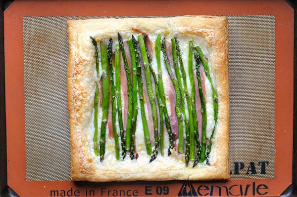 asparagus-prosciutto-gruyere-tart
