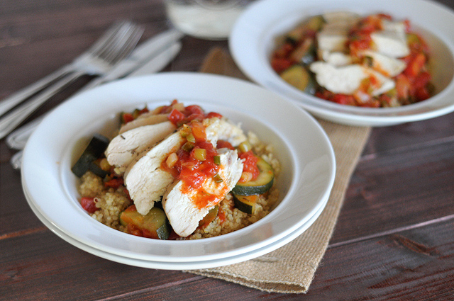 Mediterranean Zucchini, Tomato and Chicken Skillet || Heather's Dish #paleo #glutenfree #healthyeating #dinner