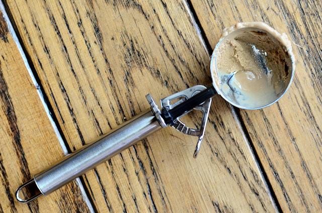 Skinny Vanilla Latte Ice Cream || HeathersDish.com