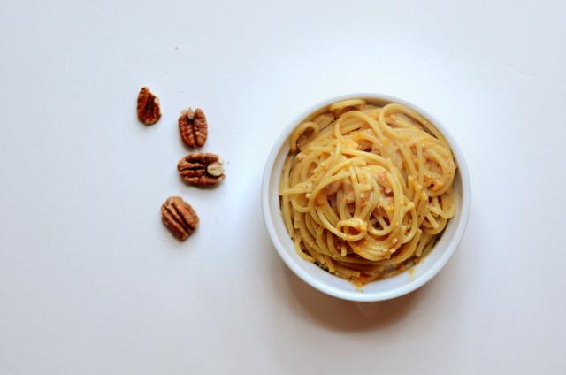 Roasted Tri-Color Pepper and Toasted Pecan Pesto || HeathersDish.com