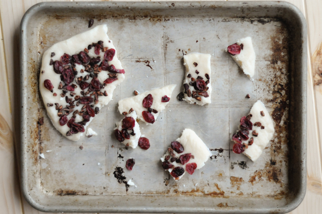 Coconut Butter Bark with Cacao Nibs and Dried Cranberries || HeathersDish.com #VitaCost #fitfluential #healthyeating #dessert