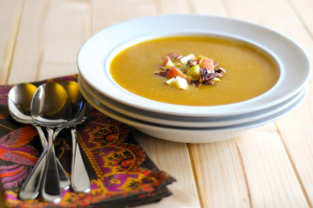 Silky Vegan Pumpkin Soup with Fresh Apples and Toasted Pecans || HeathersDish.com