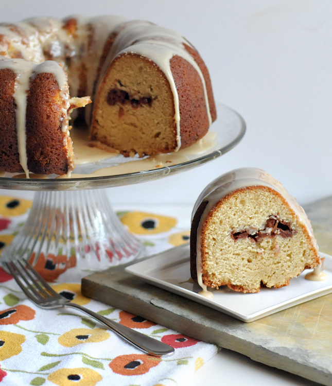 Apple Cinnamon Tunnel Cake with Honey Bourbon Glaze || HeathersDish.com