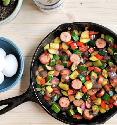 Sweet and Spicy Southwestern Vegetable Hash with Hardboiled Eggs || HeathersDish.com