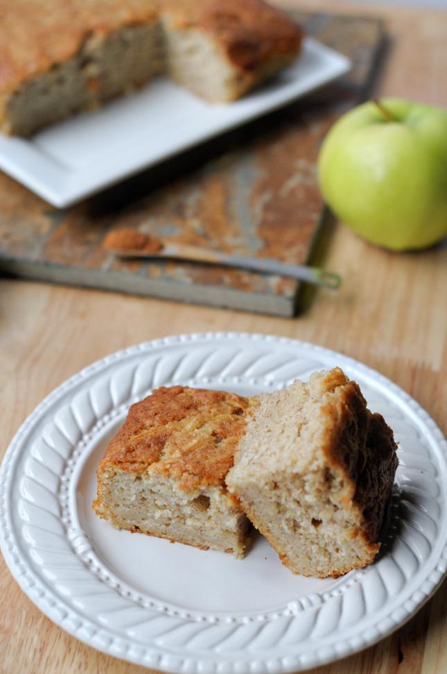 Apple Snack Cake || www.HeathersDish.com