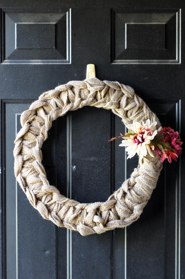 DIY Fall Burlap Wreath    www.HeathersDish.com #diy