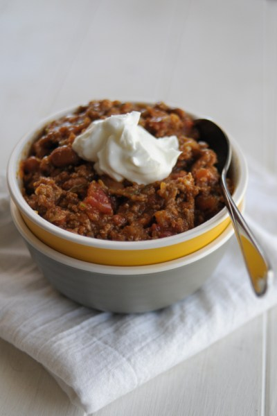 Comforting turkey vegetable chili that will make even the pickiest eaters love those veggies!