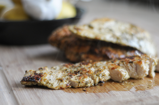 Perfect Greek Chicken Marinade @heathersdish #itsgrillingseason