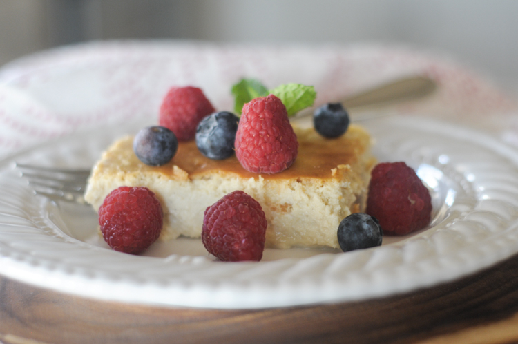 Mascarpone Ricotta Crustless Cheesecake is a naturally sweetened summertime wonder you'll make time and again for family and friends! Served with fresh berries, this lower-carb cheesecake is a great way to entertain with health in mind! @heathersdish