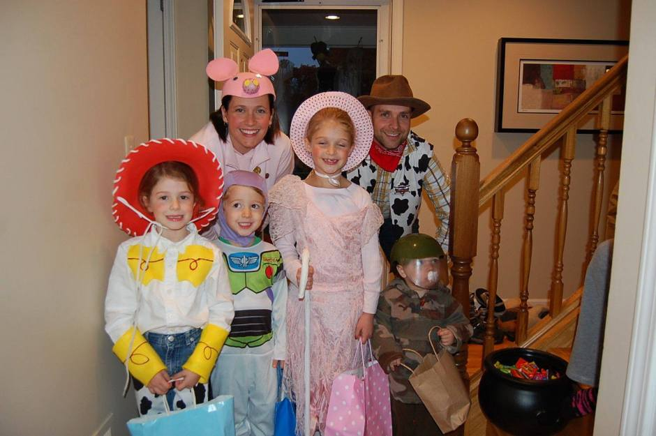 Happy Halloween! Toy Story Family Costume