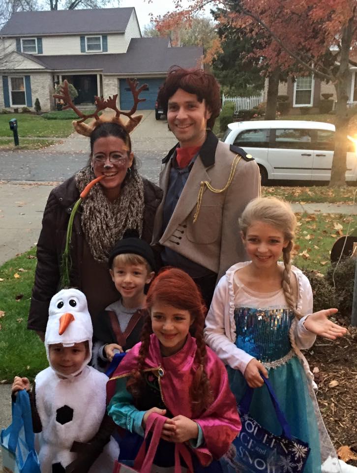 Happy Halloween! Family Frozen Halloween Costume!