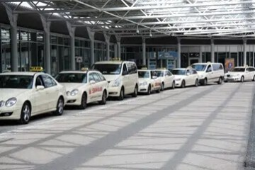 taxi burgess hill to heathrow airport