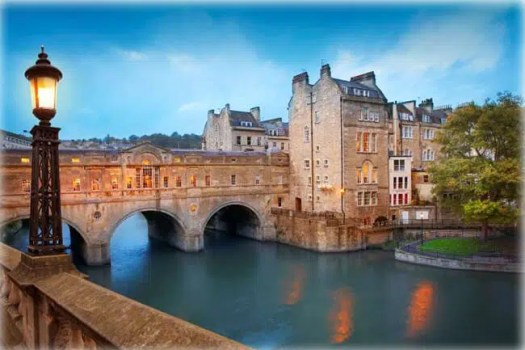 Pulteney Bridge in Bath, England