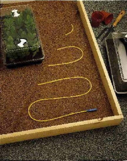 Kasvuhoone pinnase mulla küte küttekaabel kütmine