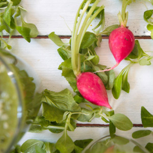 Refreshing-Green-Summer-Smoothie-with-Radish-Leaves-1