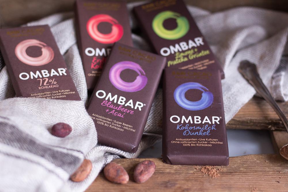 Hot Superfood Chocolate - vegan, plant based, refined sugar free, gluten free - heavenlynnhealthy.com