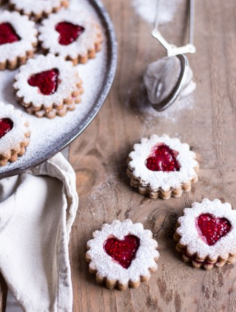 Healthy Peanut Butter & Jelly Christmas Cookies (German Spitzbuben)