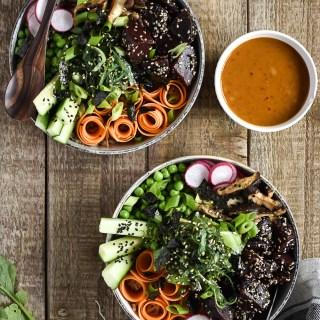 Healthy Poké-Bowl with Chili-Tahini-Sauce - plant-based, vegan, gluten free, refined sugar free - heavenlynnhealthy.com