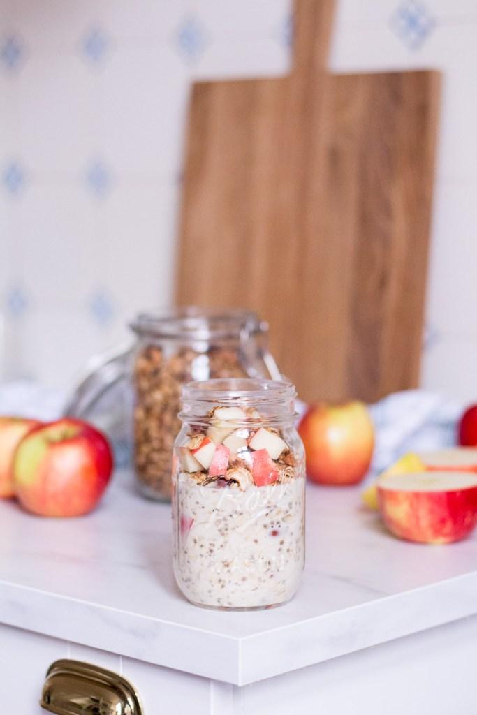 Crunchy apple overnight oats - plant-based, vegan, gluten free, refined sugar free - heavenlynnhealthy.com