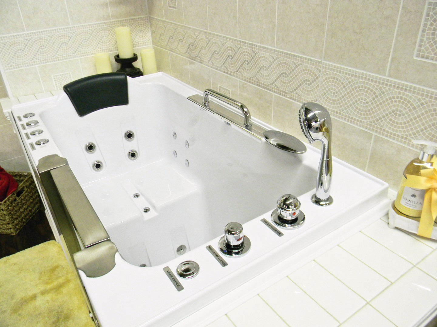 Bathtubs For The Elderly Disabled And Handicapped Heavenly Walk In Tubs