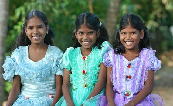 Sri Lankan Sweethearts at Girls Orphanage Heaven39s Family