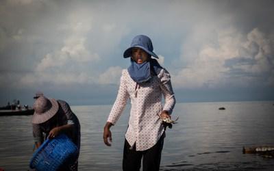 Crab Market Women-5