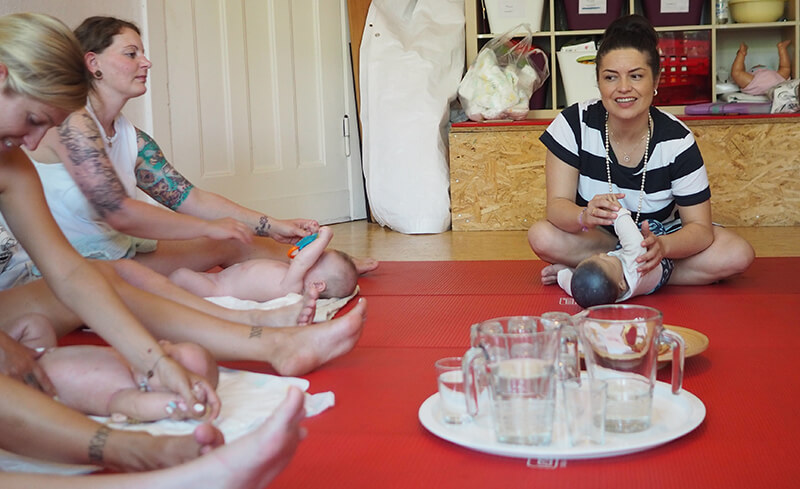 Ayurvedische Babymassage Hebammenpraxis Schöneweide