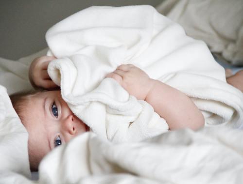 Nachtwäsche für Baby im Sommer