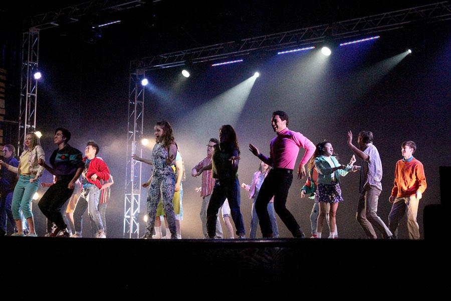 The+opening+scene+took+place.+Members+of+the+cast+danced+and+sang+the+most+well+known+song+from+the+play+%22Footloose.%22