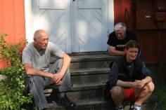 Nils-Åke, Reino & Mickan i väntan på skyddet