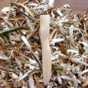 Jason-Robards-Hedgerow-Crafts-Hand-Carved-Greenwood-Whitethorn-Pipe-Tamper-6