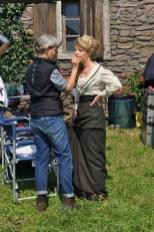 Karin Lischka wird rasch nachgeschminkt (Foto Reinhard Sudy)