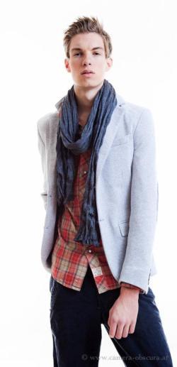 Auch Topmodel Hannes Oberbichler modelte für JOMA Fashion (Foto Teresa Rothwangl)