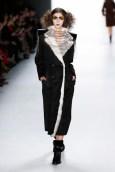 """Designerin Rebekka Ruétz präsentierte ihre Herbst-/ Winterkollektion 2015/16 mit dem Titel """"A Fairytale"""" auf der Berliner Fashion Week (Fotos Getty Images)"""