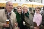 Ferdinand, Helga und Kathrin Paar mit ihrer Emmi (Foto Christina Dow)