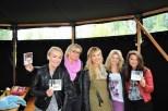 Sängerin Susanne 'Su' Ebner (Mitte) hatte ihre neue CD 'Radio Su'dabei (Foto Reinhard Sudy)