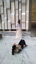 """Eva Poleschinski beim Shooting ihrer Kollektion """"My own Walls"""" in New York - behind the scenes (Foto Reinhard Sudy)"""